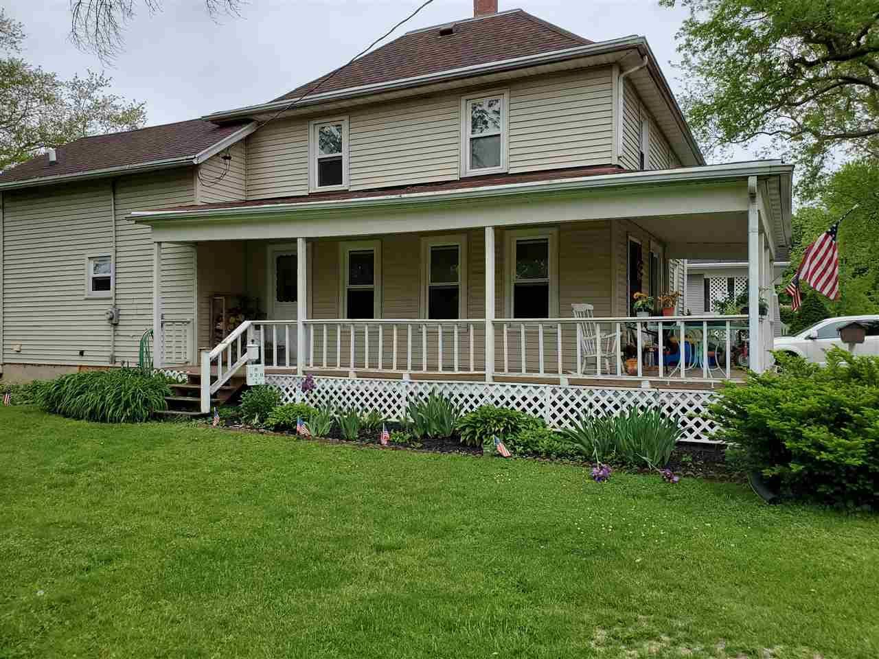 f_1911593_02 Real Estate in 53534 zip code