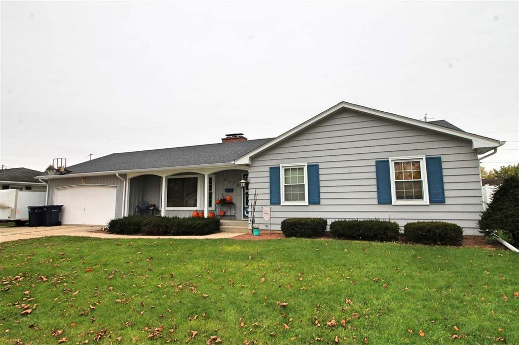 2119 Eastwood Ave, Janesville, WI 53545 - #: 1871594