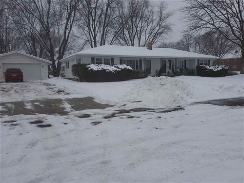 Photo of 924 Parkview Dr, Sun Prairie, WI 53590 (MLS # 1875596)
