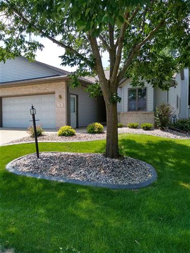 Photo of 8 Village Homes Dr, Waunakee, WI 53597 (MLS # 1887596)