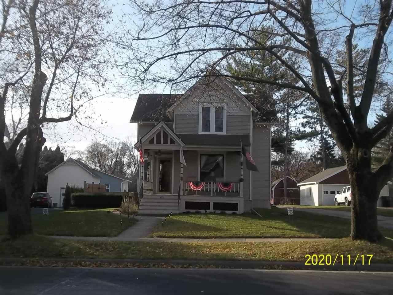 426 E Lake St, Lake Mills, WI 53551 - MLS#: 1897599