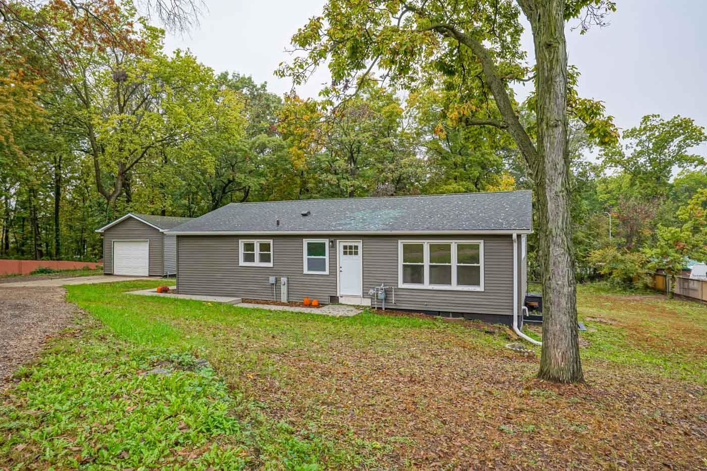 Photo for 2855 Glacier Valley Rd, Fitchburg, WI 53711 (MLS # 1921602)