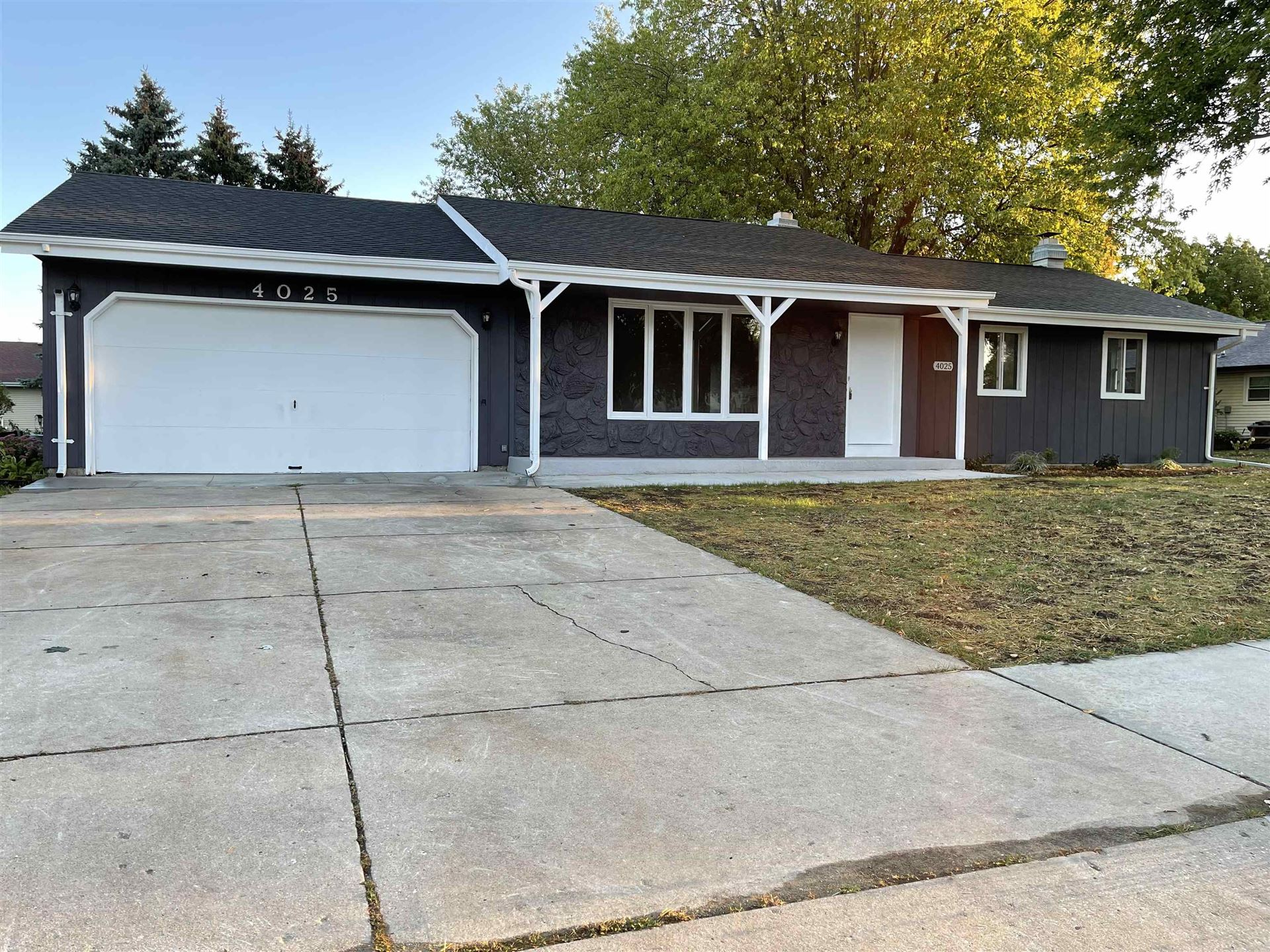 4025 Skyview Dr, Janesville, WI 53546 - #: 1920603