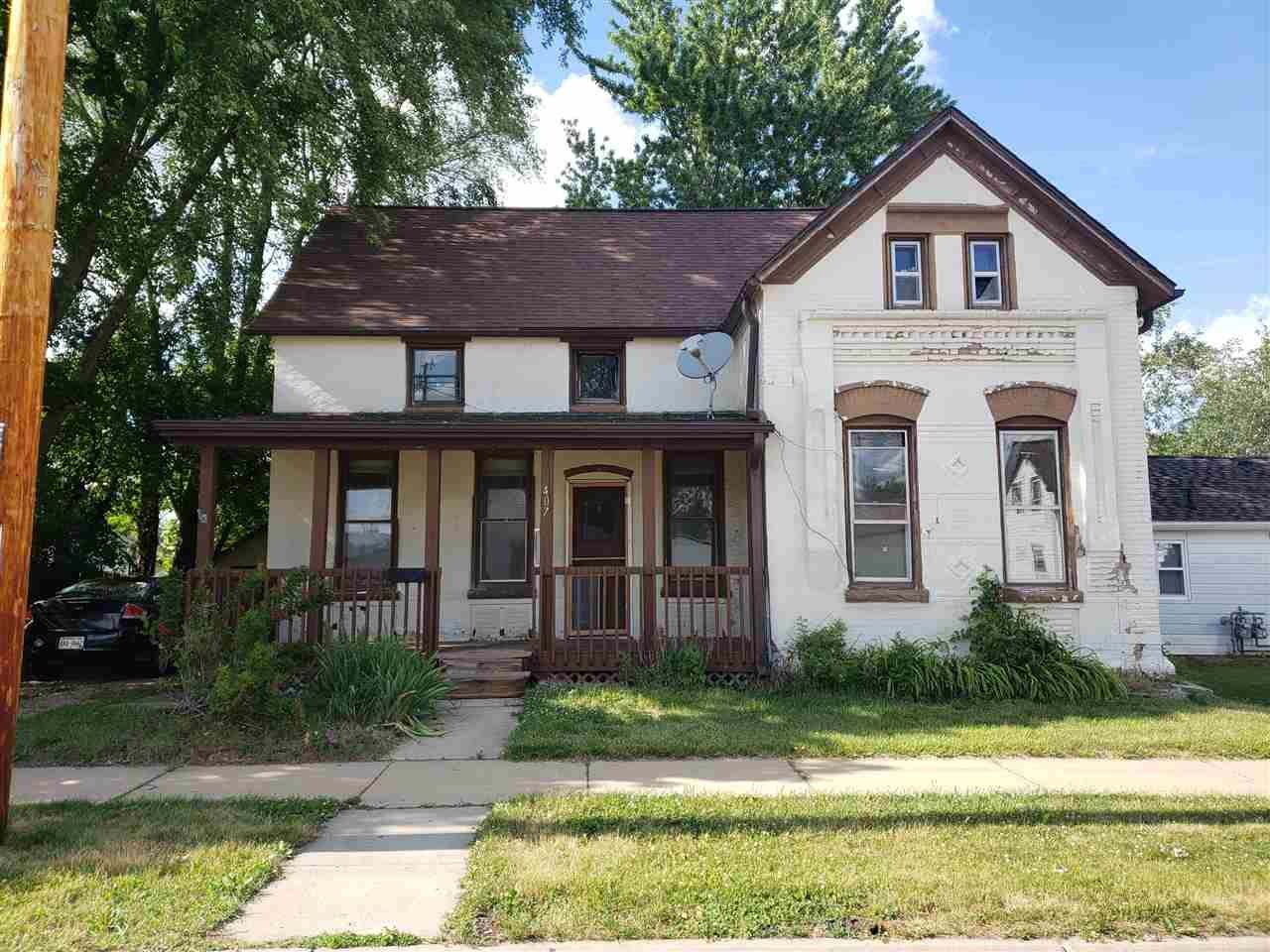 407 W Benton St, Tomah, WI 54660 - #: 1914605