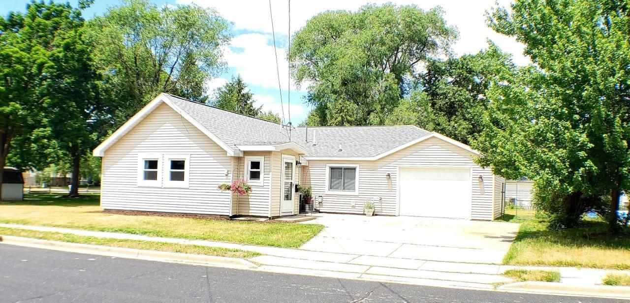 7450 North Ave, Middleton, WI 53562-2649 - #: 1912607