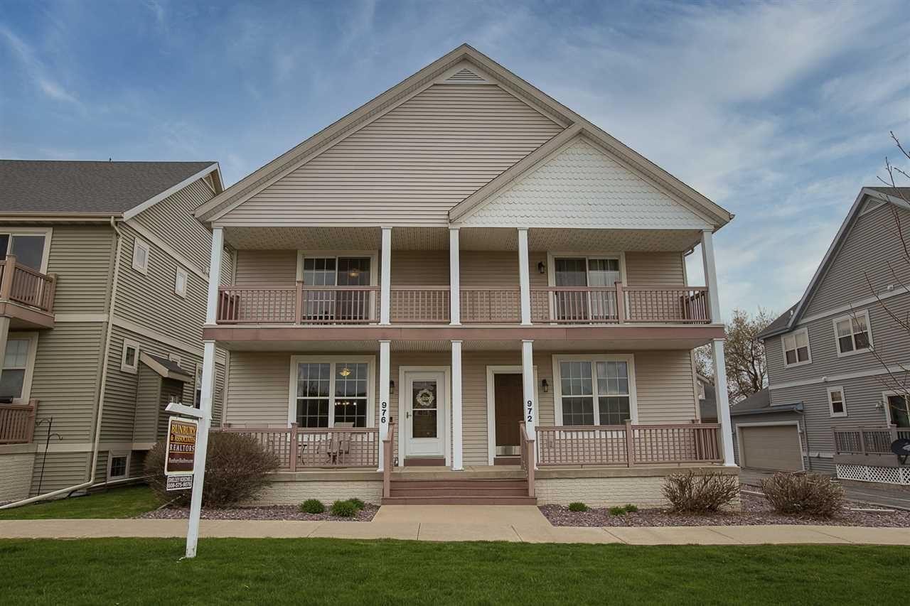 976 Stonehaven Dr, Sun Prairie, WI 53590 - MLS#: 1906611