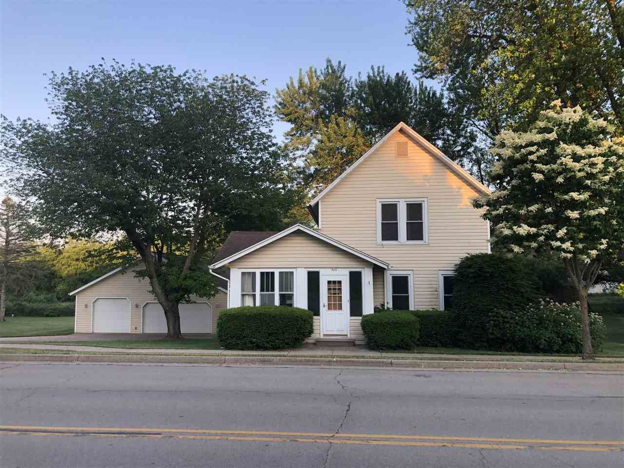 415 S Main St, Fall River, WI 53932-9701 - #: 1911611