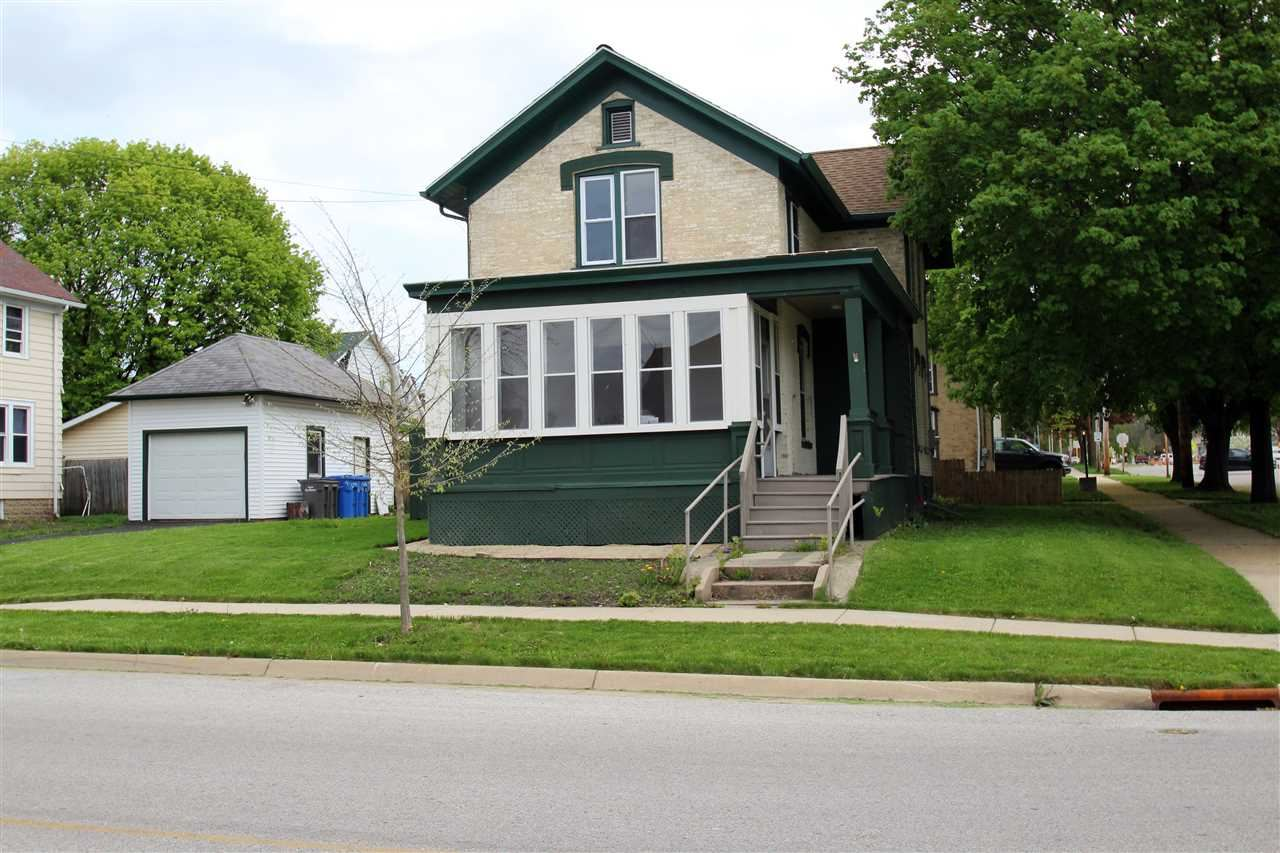 713 S 2nd St, Watertown, WI 53094 - #: 1883612