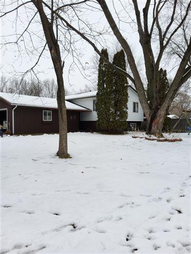 Photo of 424 Clancey Ln, Stoughton, WI 53589 (MLS # 1899614)
