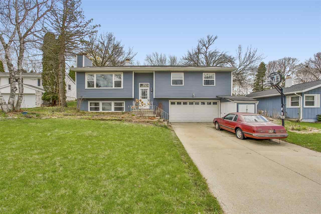 5 Shefford Cir, Madison, WI 53719 - #: 1906614