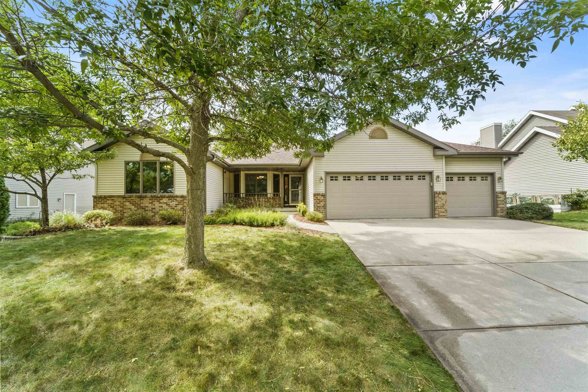 3602 Country Grove Dr, Madison, WI 53719 - #: 1919614