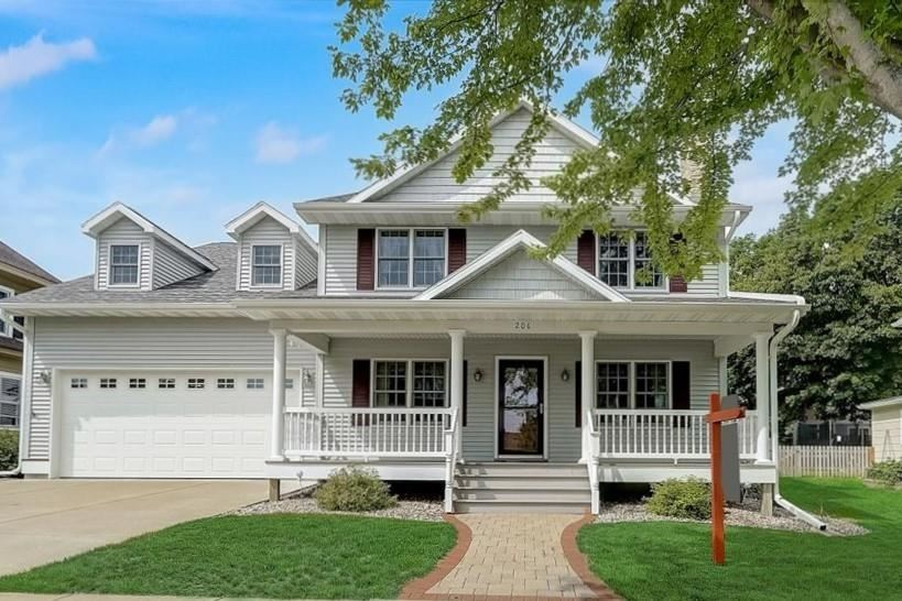 206 S 6th St, Mount Horeb, WI 53572 - #: 1915615