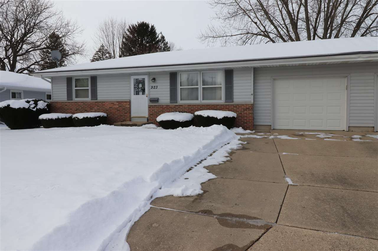 923 Church St, Janesville, WI 53548 - #: 1900616