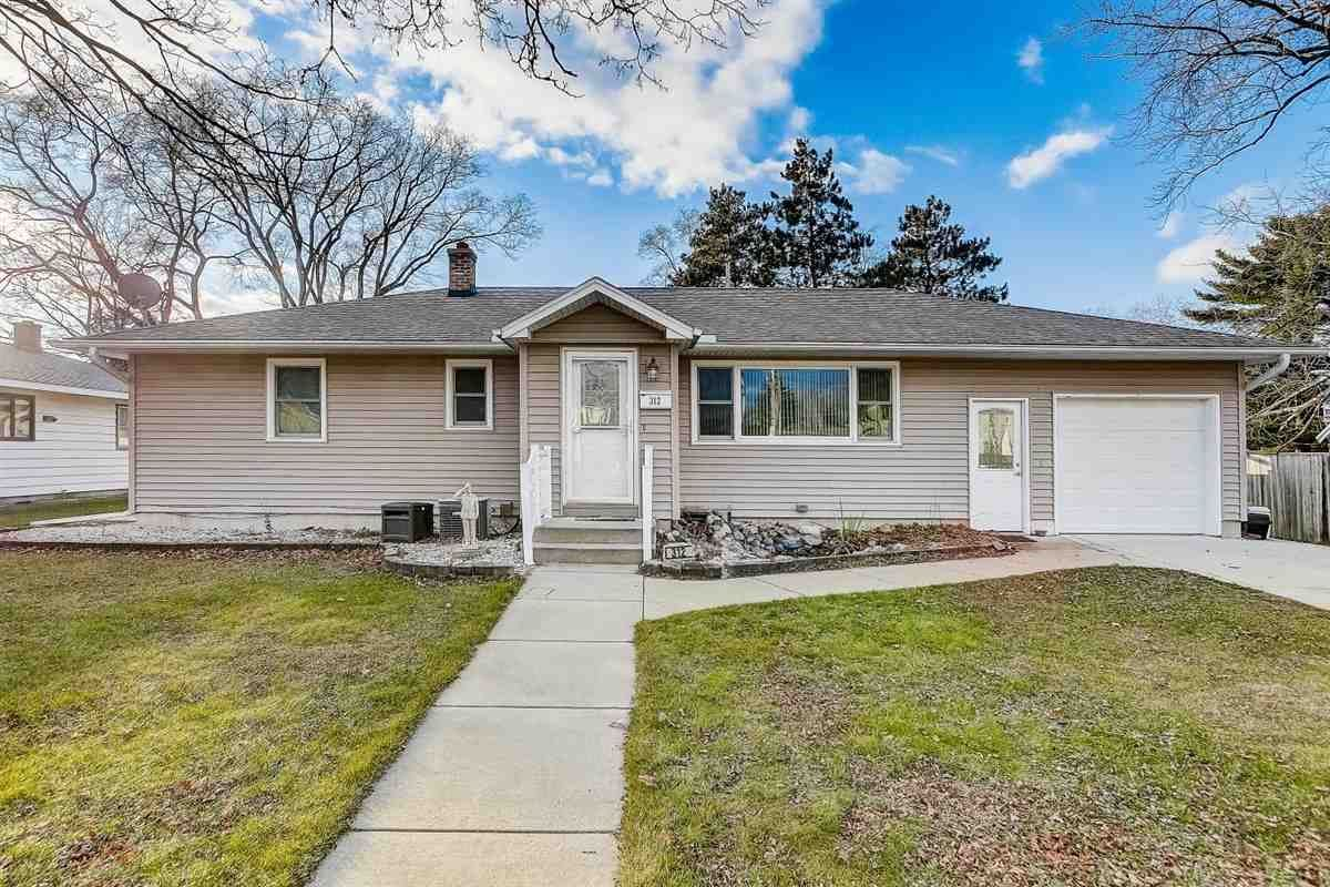 312 Orchard St, Portage, WI 53901 - #: 1898618