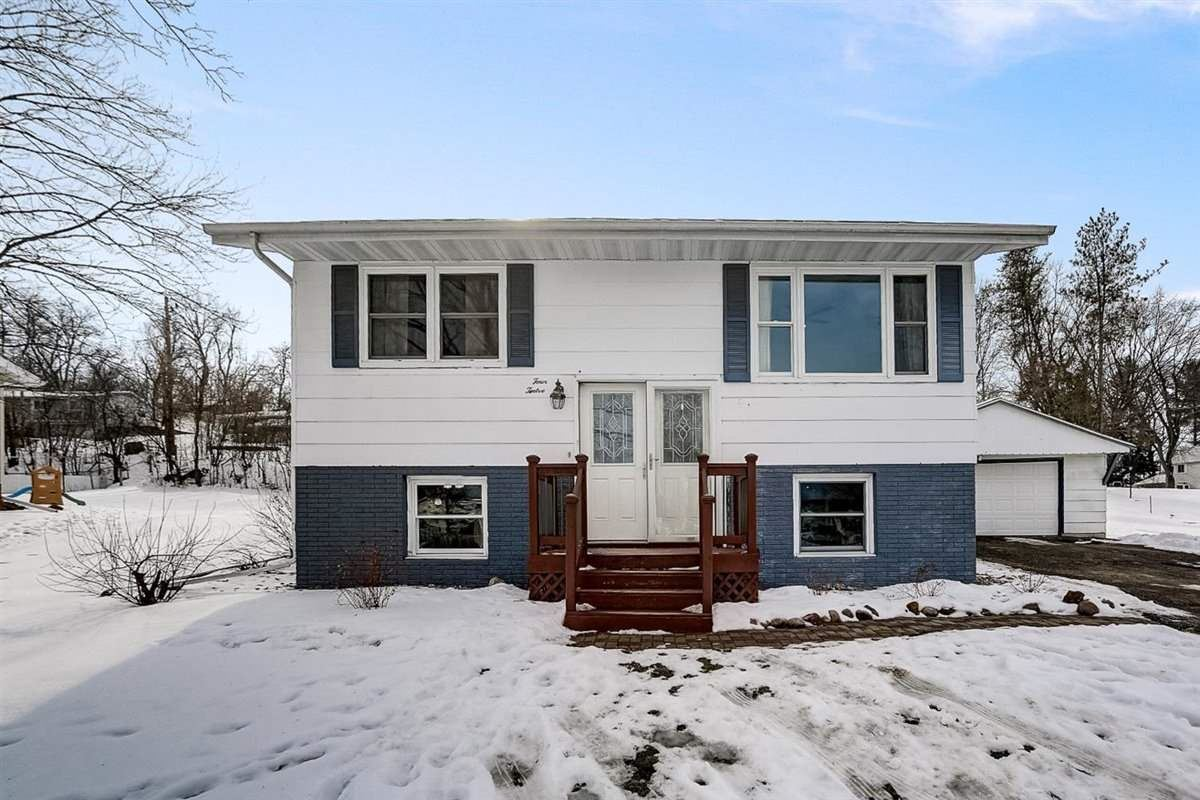 412 W Lincoln Dr, De Forest, WI 53532 - #: 1900624
