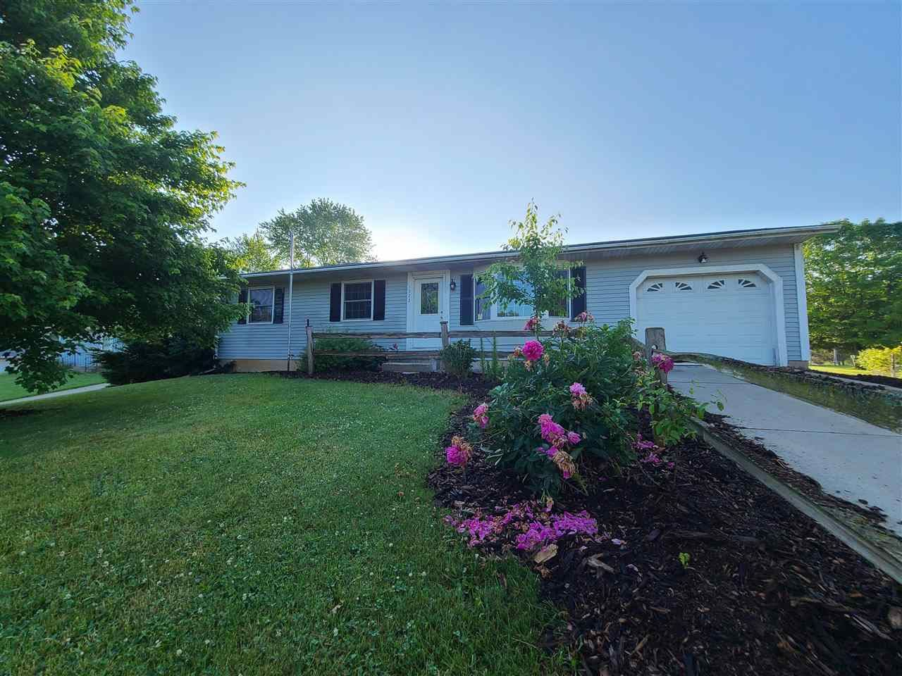 1522 Parkview Dr, Monroe, WI 53566 - #: 1911624