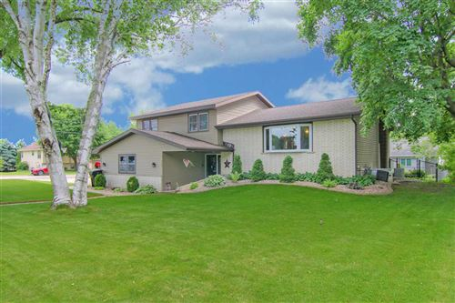 Photo of 725 Russell St, DeForest, WI 53532 (MLS # 1885627)