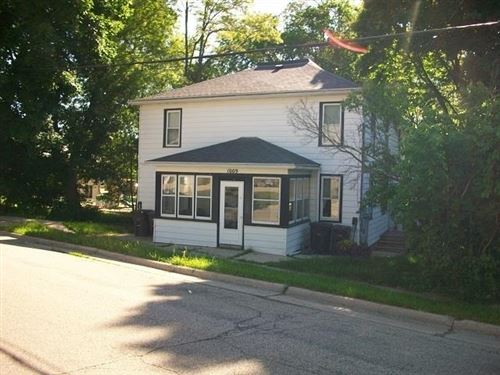 Photo of 1009 S 4th St, Stoughton, WI 53589 (MLS # 1900634)