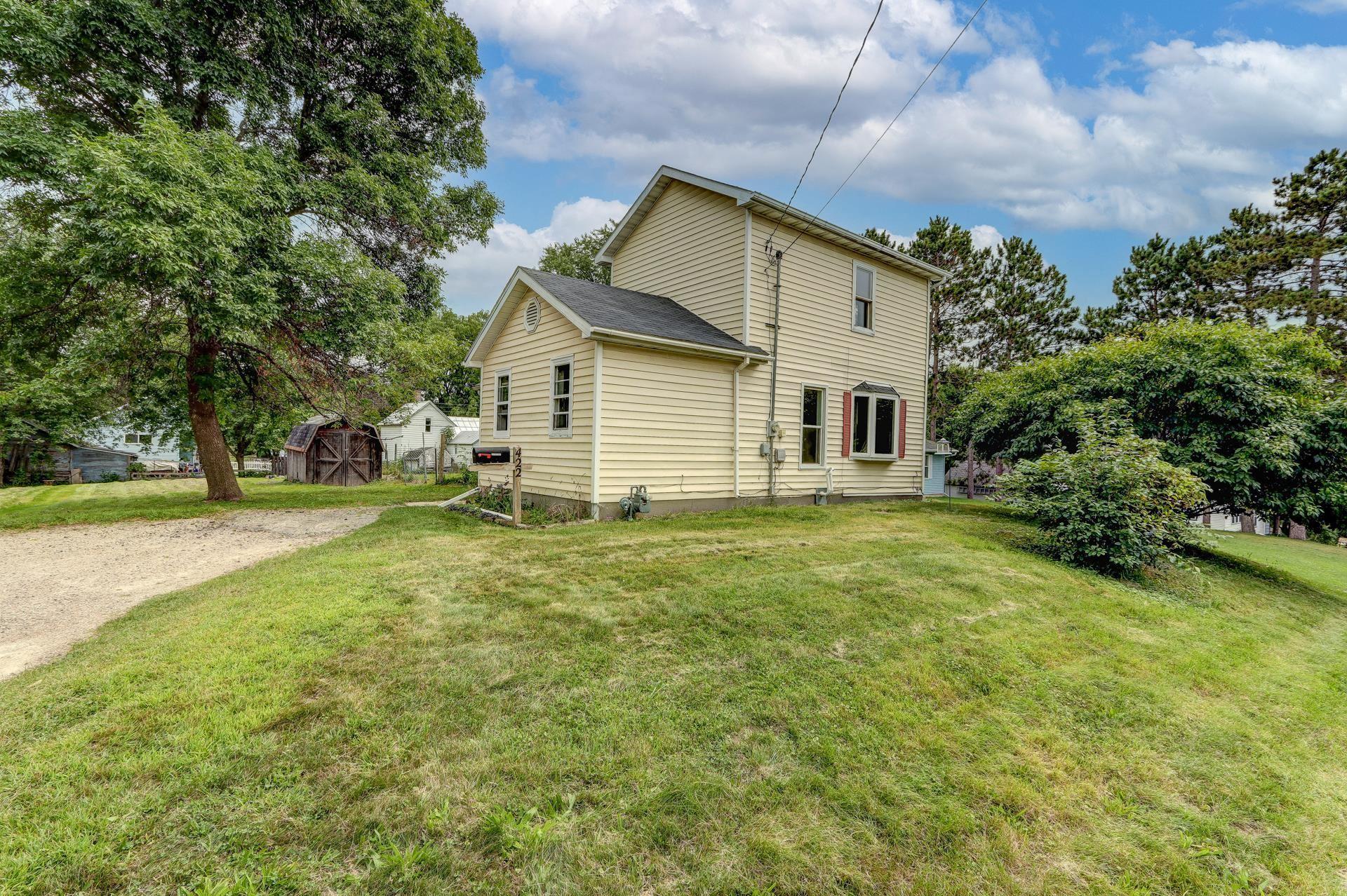 422 Ridge St, Baraboo, WI 53913 - #: 1919636