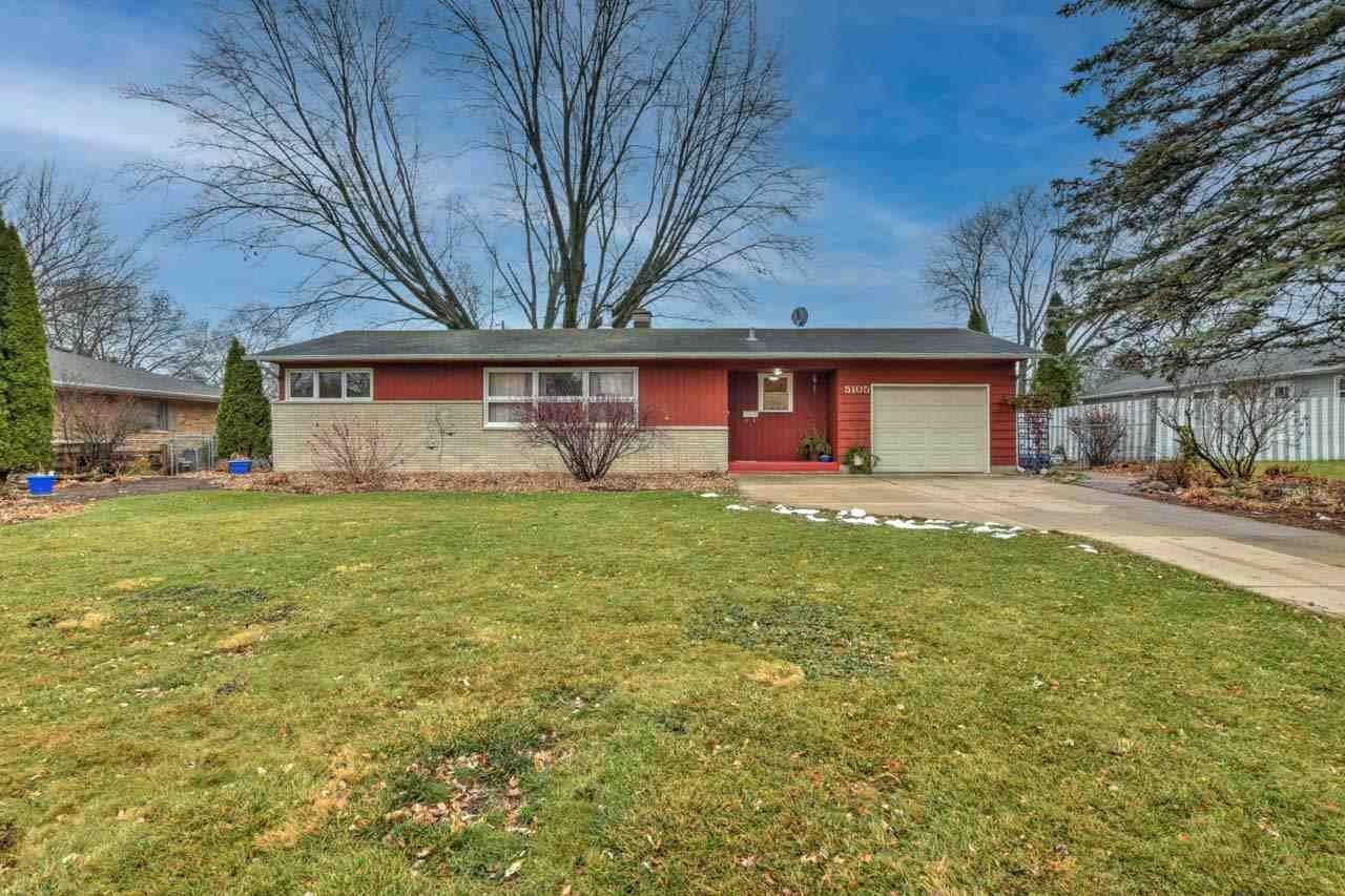 Photo for 5105 Montgomery Dr, Madison, WI 53716 (MLS # 1898637)