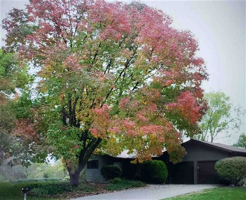Photo of 317 Lincoln St, Verona, WI 53593 (MLS # 1905640)