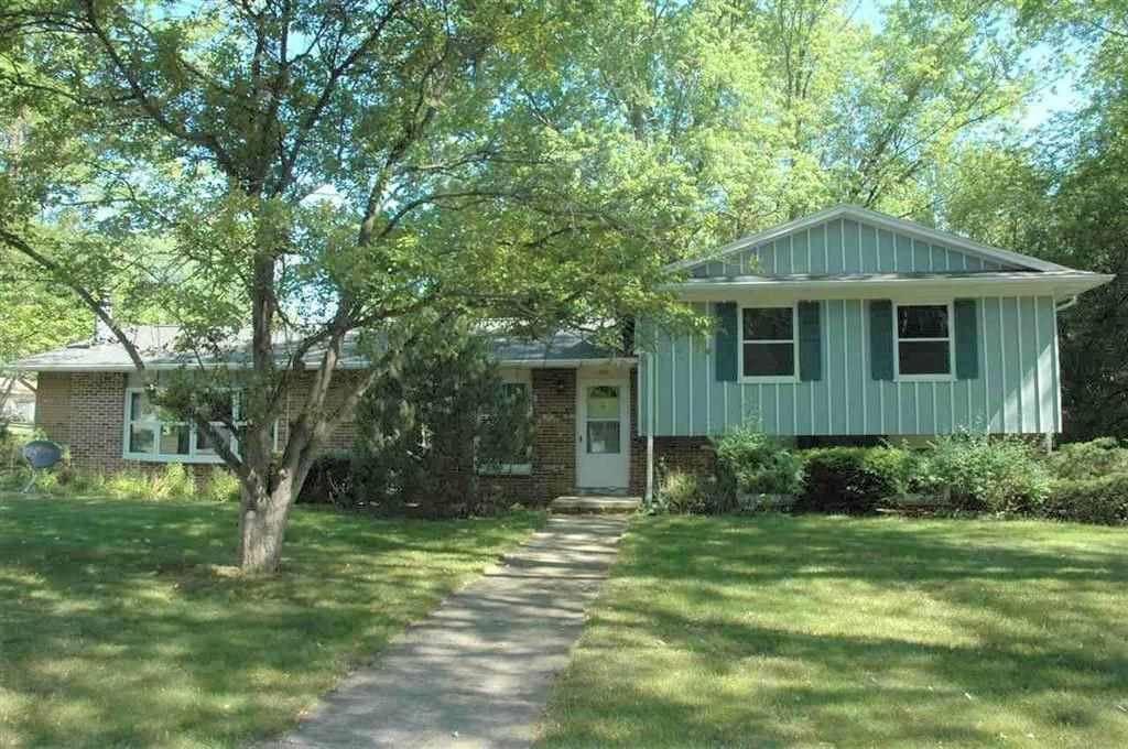720 Eisenhower Rd, Stoughton, WI 53589 - #: 1906641