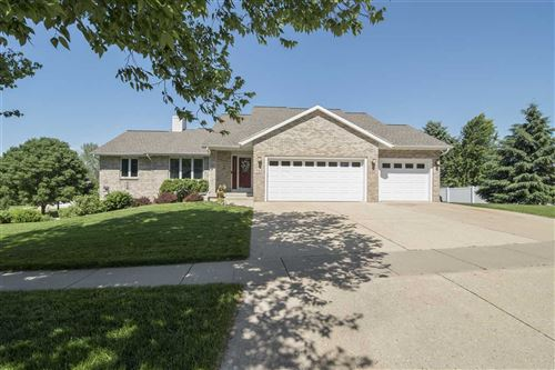Photo of 743 Westlawn Dr, Cottage Grove, WI 53527 (MLS # 1885642)
