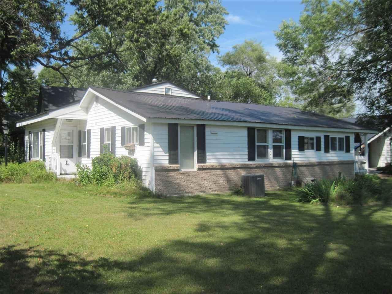164 S Pine St, Adams, WI 53910 - #: 1890645