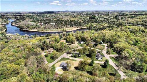 Photo of 63 Dakota Ridge Rd, Baraboo, WI 53913 (MLS # 1871646)
