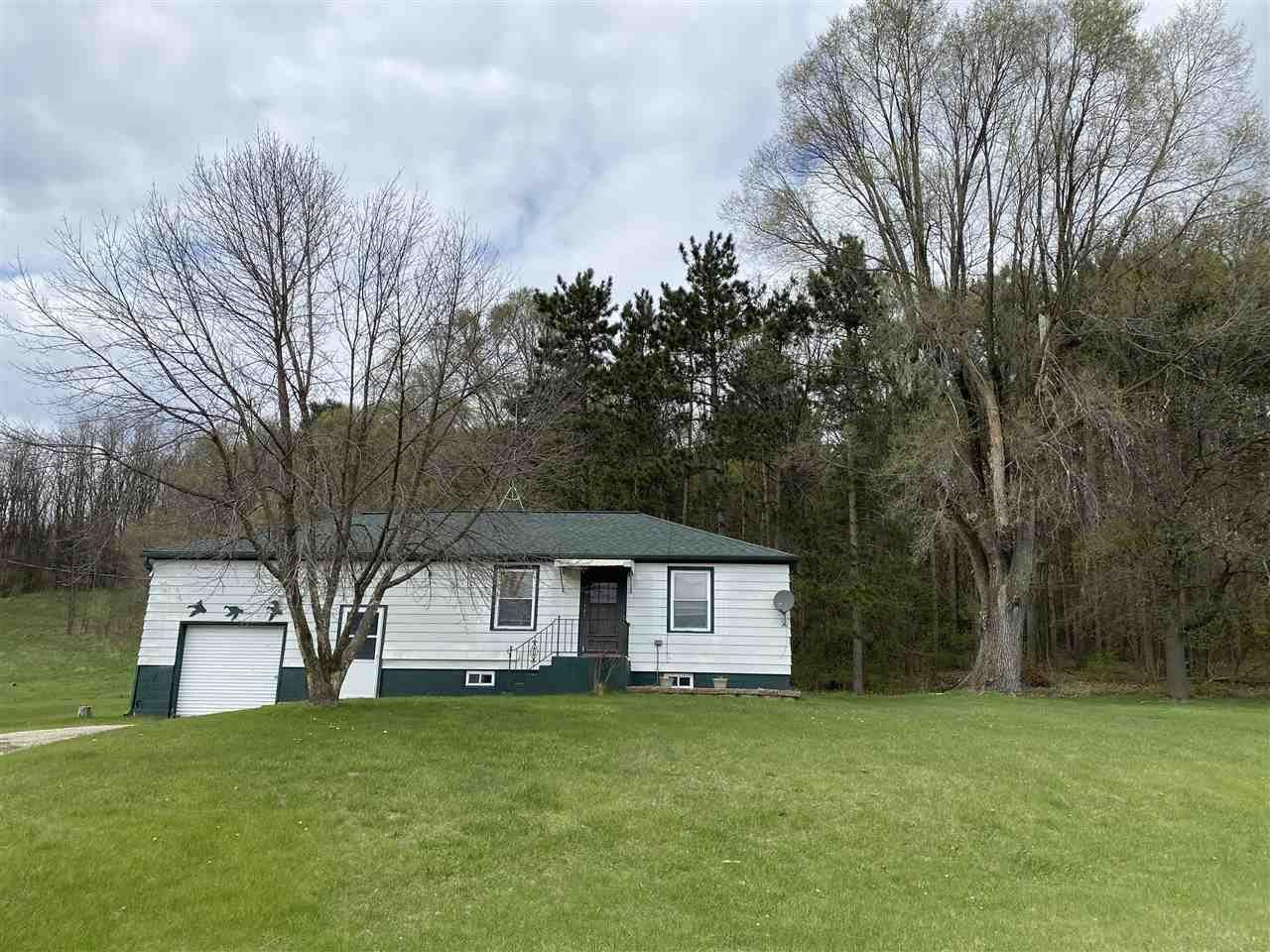 N8823 County Road F, Portage, WI 53901 - #: 1907648