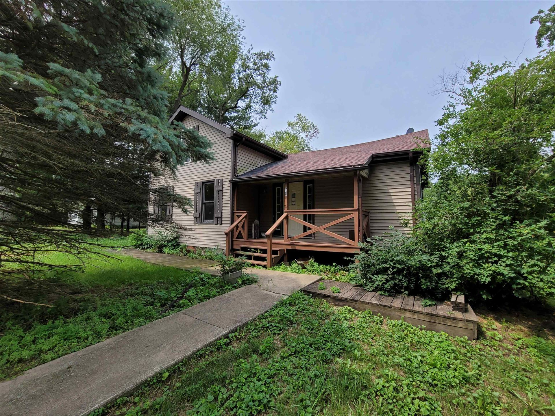 239 Nelson St, Sharon, WI 53585-9618 - #: 1917650