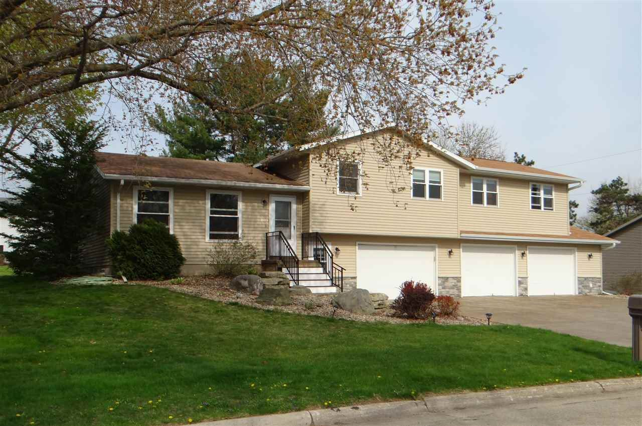 Photo for 209 Harmon Ave, Belleville, WI 53508 (MLS # 1907651)