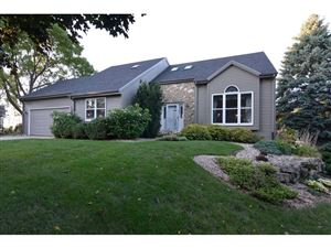 Photo of 1545 Grosse Point Dr, Middleton, WI 53562 (MLS # 1867653)