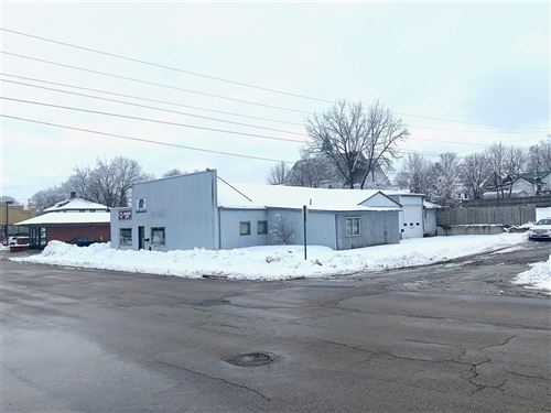Photo of 105 W Fountain St, Dodgeville, WI 53533 (MLS # 1900661)