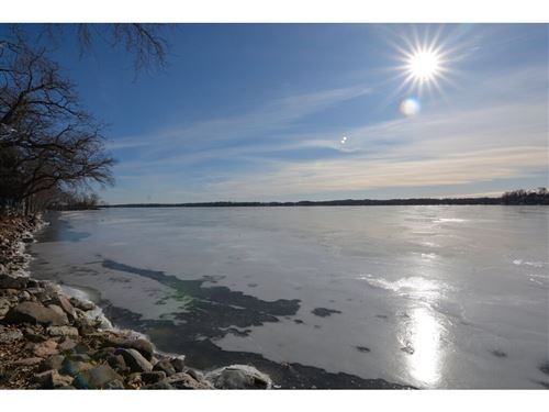 Photo of 2152 Colladay Point Dr, Stoughton, WI 53589 (MLS # 1874665)