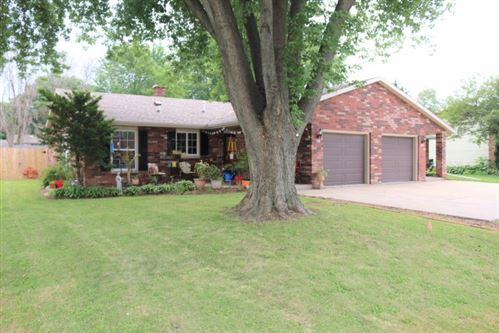 Photo of 116-118 Lothe Rd, Marshall, WI 53559 (MLS # 1887672)