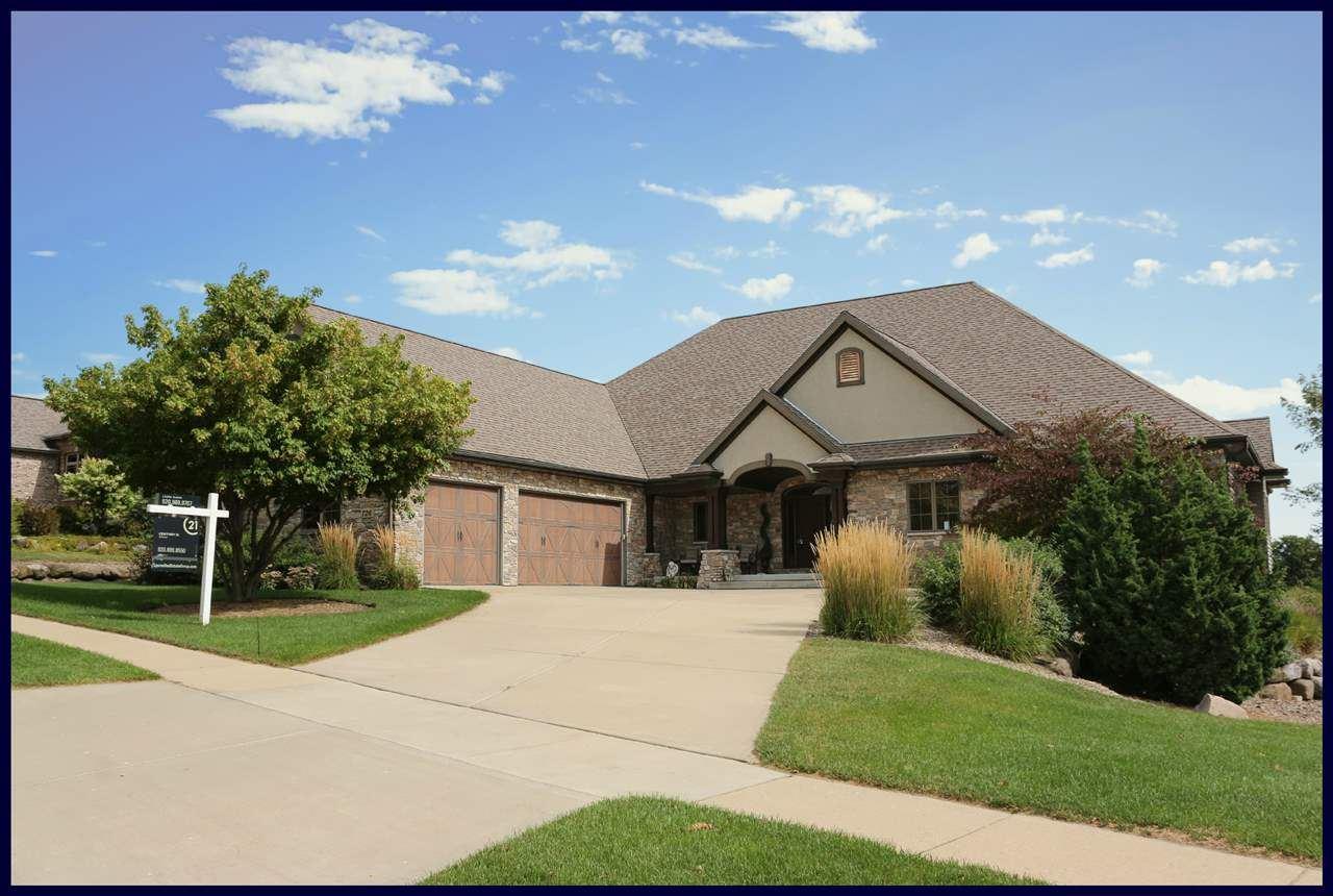 726 Pinnacle Dr, Lake Mills, WI 53551-2011 - #: 1871672