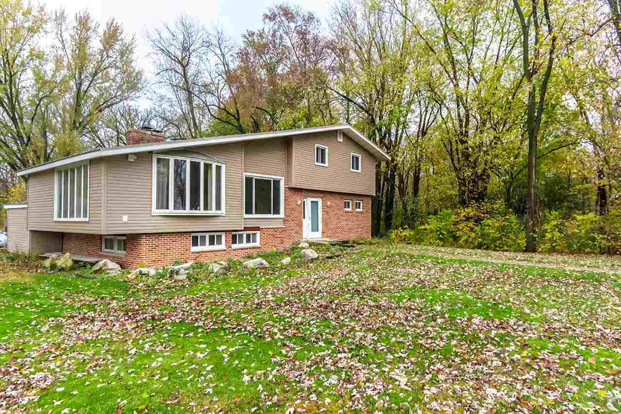 5267 S Christianson Rd, Janesville, WI 53546 - #: 1896673