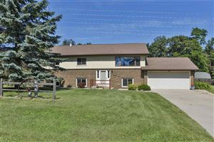 Photo of 2468 Red Pine Ct, Portage, WI 53901 (MLS # 1863675)