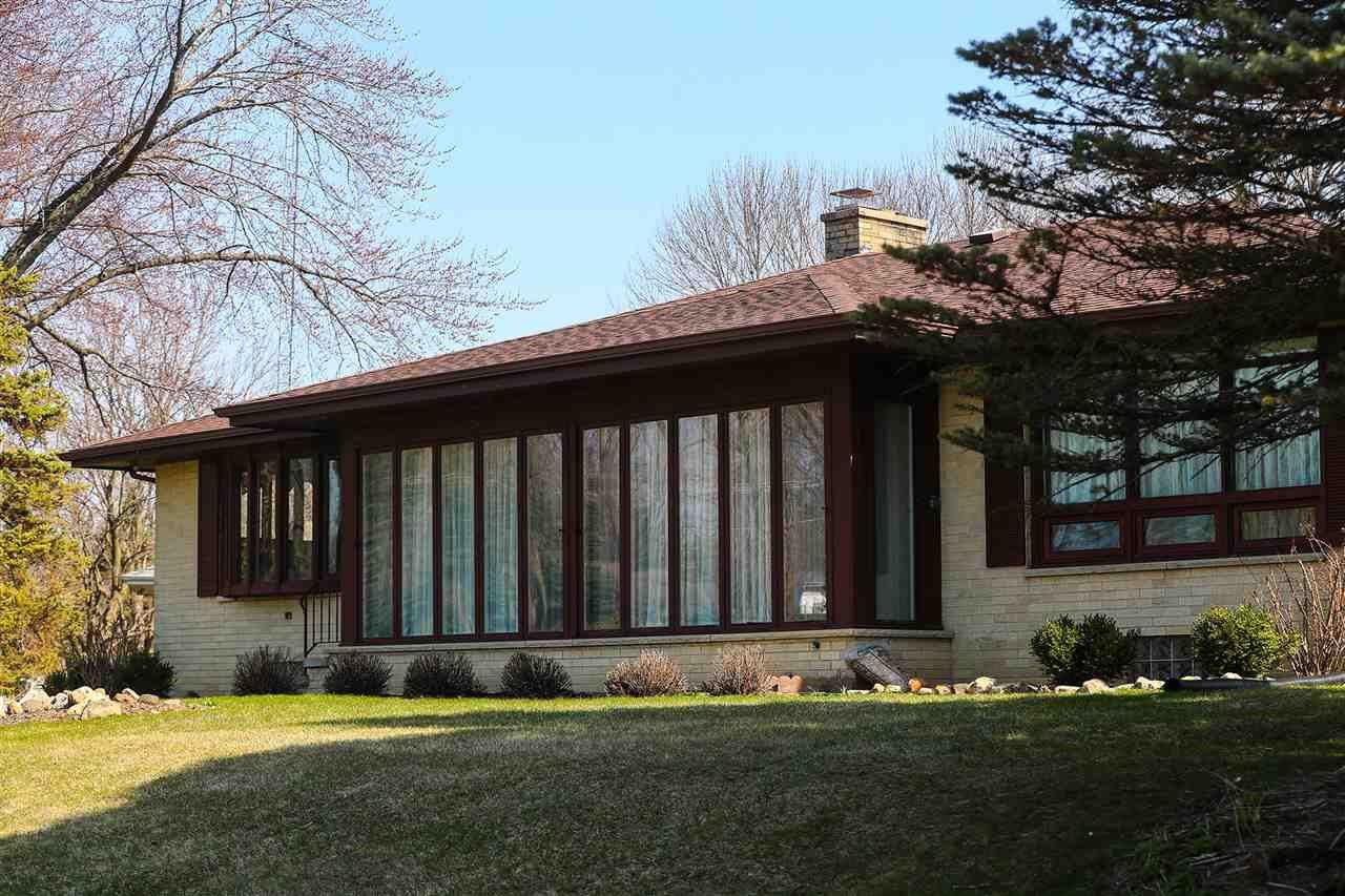 111 Jansen Dr, Fox Lake, WI 53933 - #: 1905677