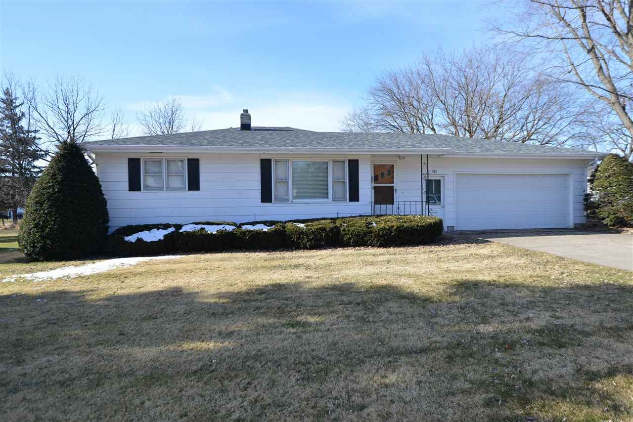 303 Hubbell St, Marshall, WI 53559 - #: 1874679