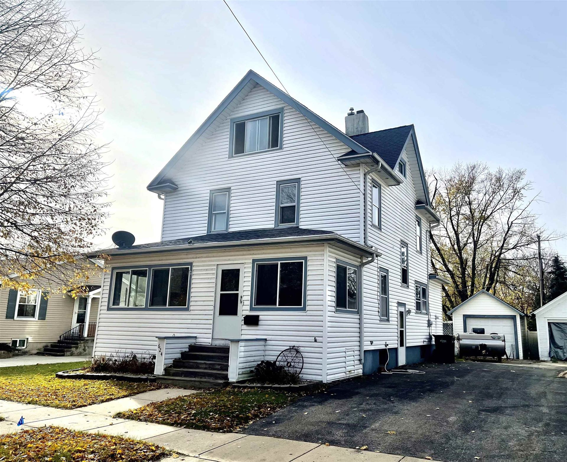 624 Grant St, Fort Atkinson, WI 53538 - #: 1914681