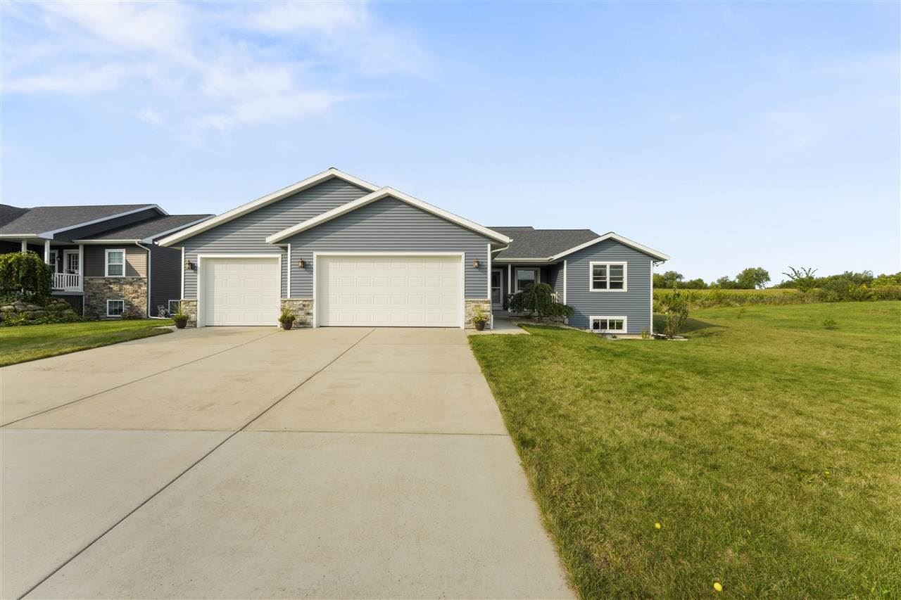 1049 N Perry Pky, Oregon, WI 53575 - #: 1893682