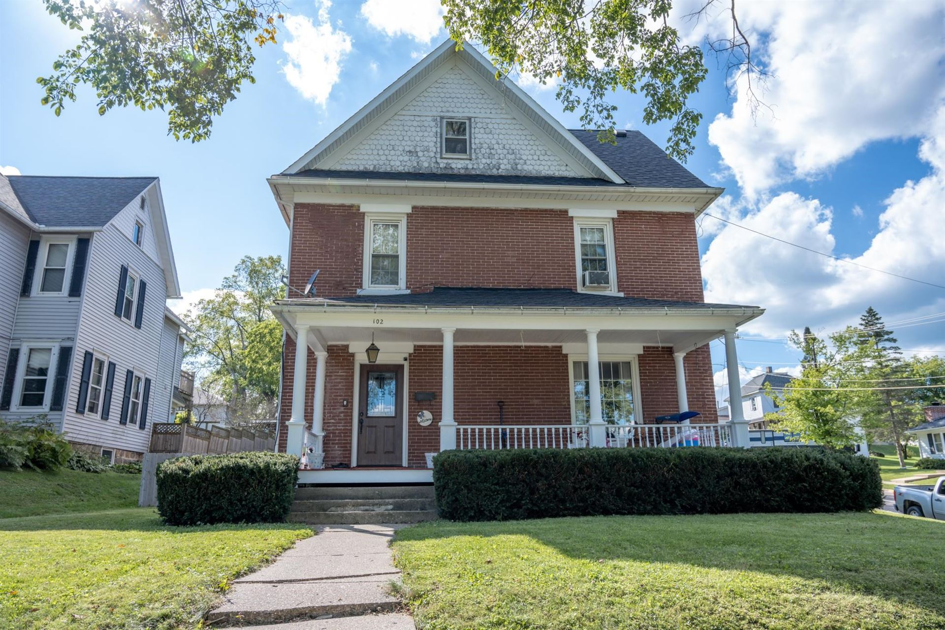 102 Plymouth St, Elroy, WI 53929 - #: 1918682