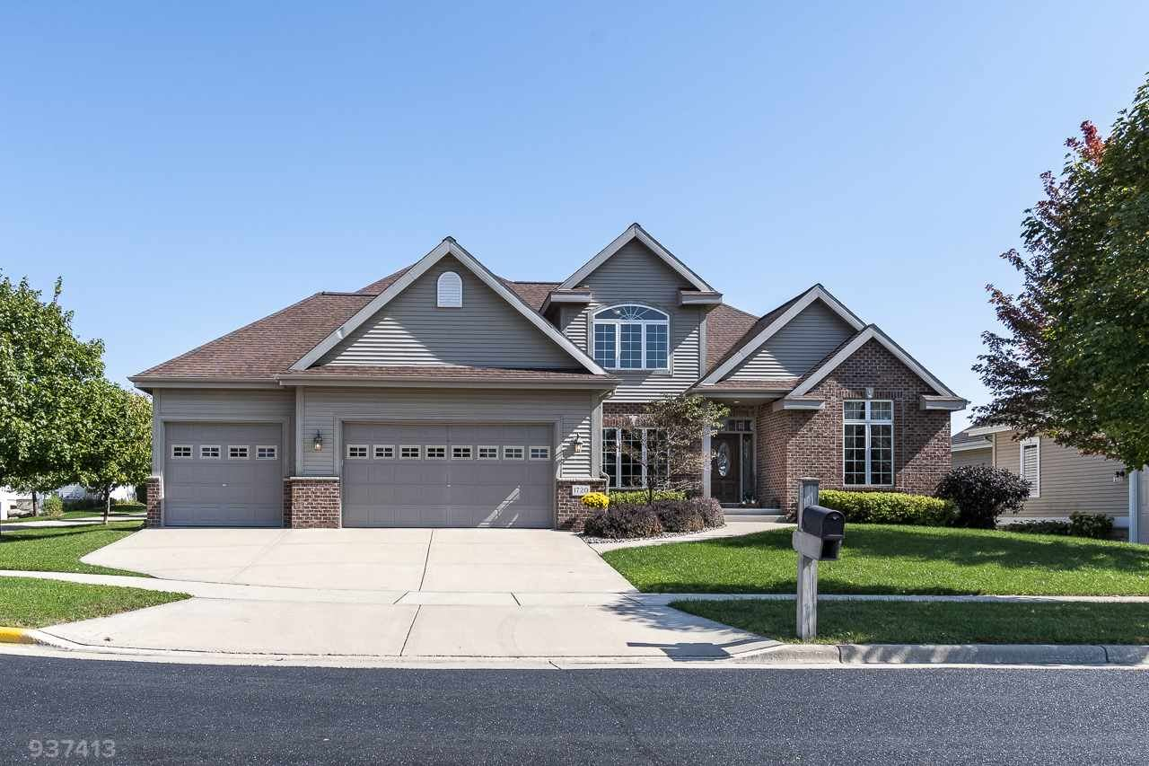 1720 Daily Dr, Waunakee, WI 53597 - #: 1894683