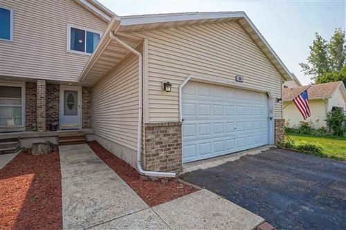 Photo of 104 Woodview Dr, Cottage Grove, WI 53527 (MLS # 1914688)