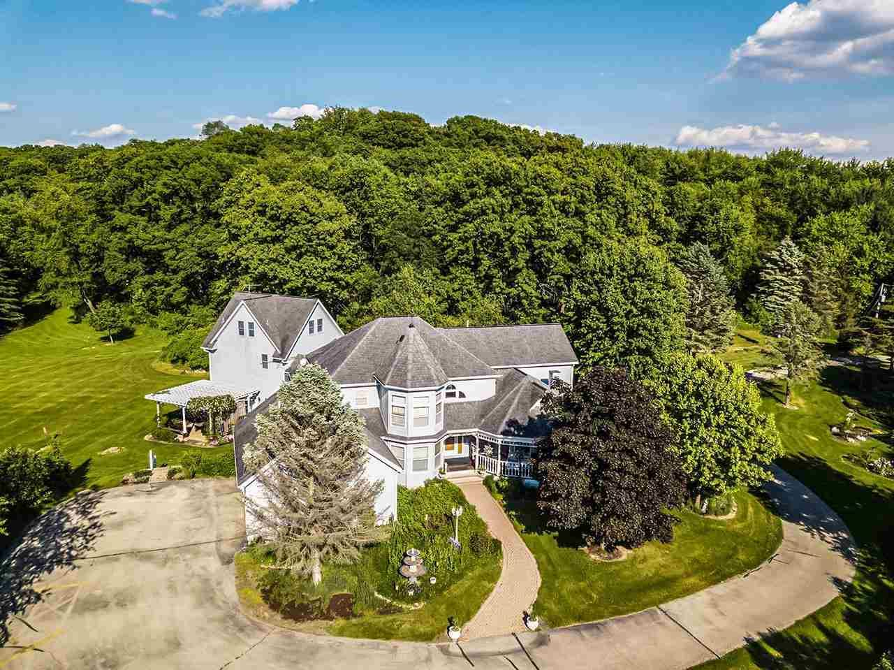 Photo for 1090 Severson Rd, Belleville, WI 53508 (MLS # 1911688)
