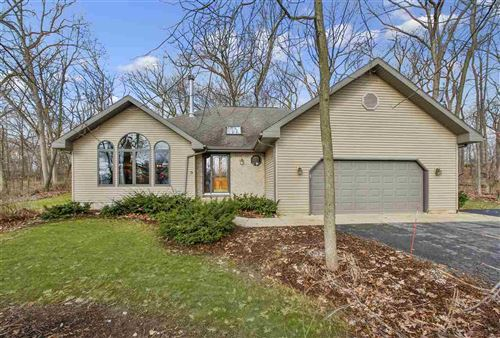 Photo of 286 Maple Heights Rd, Marshall, WI 53559 (MLS # 1878690)