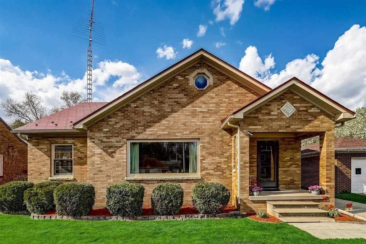 404 Kelly St, Sun Prairie, WI 53590 - #: 1906695