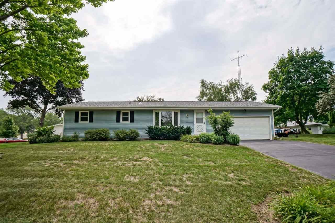 200 Maple Dr, Waterloo, WI 53594 - #: 1915698